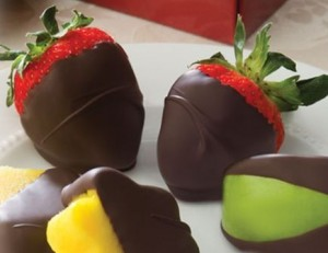 dipped fruit 300x231 Free Sample Chocolate Dipped Fruit: Edible Arrangements