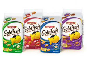 goldfish crackers 300x208 New Goldfish Cracker Coupon = Free at Dillons!