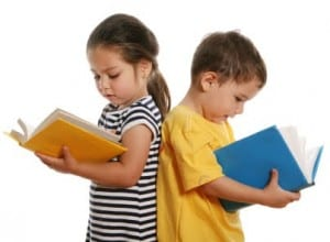 kids reading 300x220 FREE Summer Reading Programs for Kids!