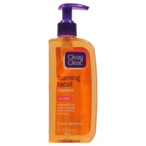 clean clear 300x300 3 Free Clean & Clear Foaming Facial Wash Plus $1.50 Money Maker at CVS