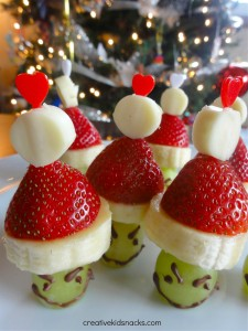 Grinch 4 225x300 Holiday Snack DIY: Grinch Party Poppers! (Grinch Kabobs!)