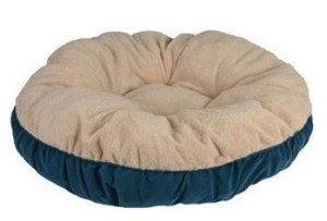 pet bed teal 300x203 Pet Spaces Bismark Round Pet Bed   35 Only $7.99 Shipped! (Reg. $40!)