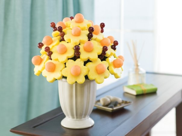 Hot Free Pineapple Edible Pop From Edible Arrangements