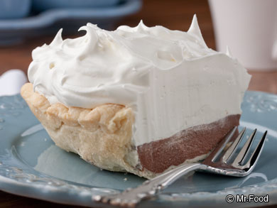 Chocolate Cream Pie Recipe (Only 7 Ingredients!) - Mojosavings.com