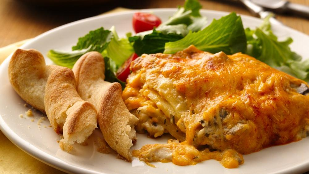 lasagna Recipe: Slow Cooker Three Cheese Creamy Lasagna